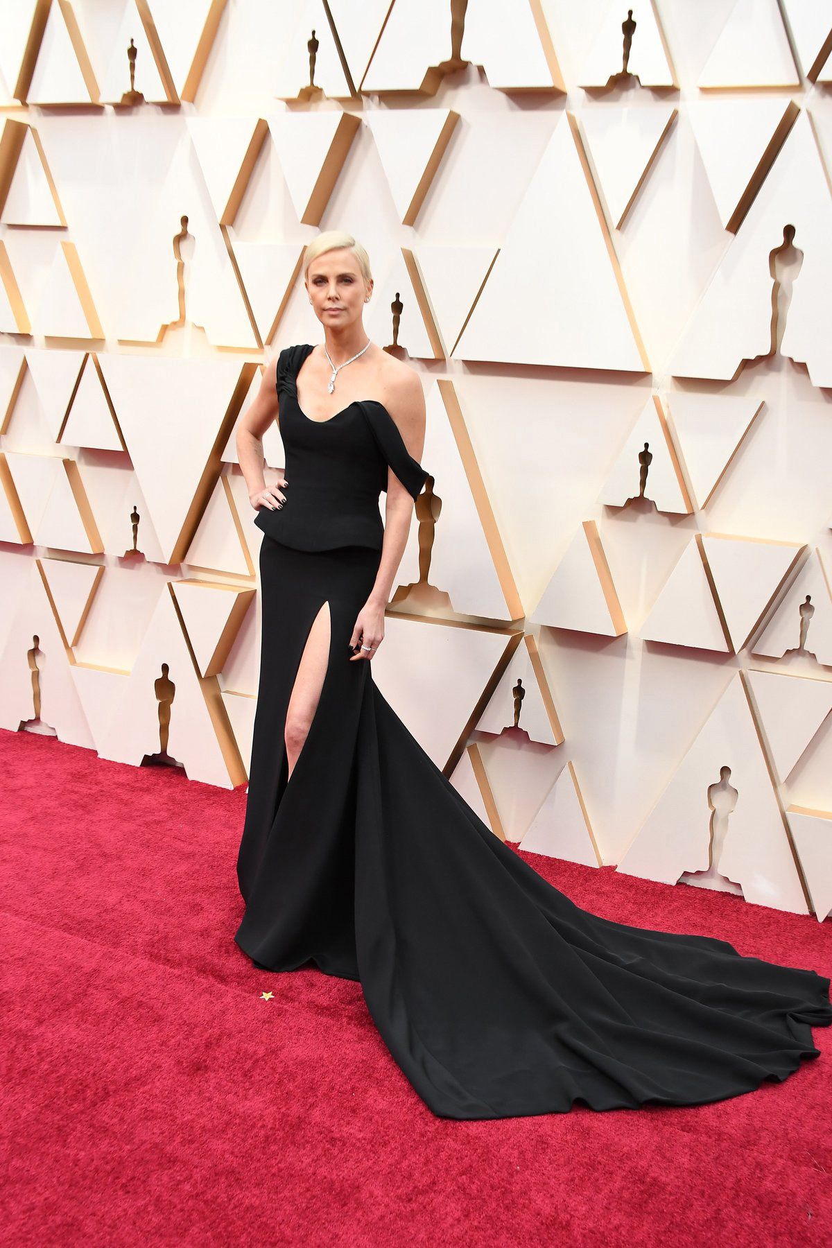 Charlize Theron in Dior. Getty Images / Sourced from Oscar.go.com